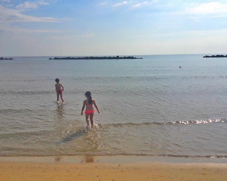 Bimbi in estate: rendiamo il sole loro amico!!