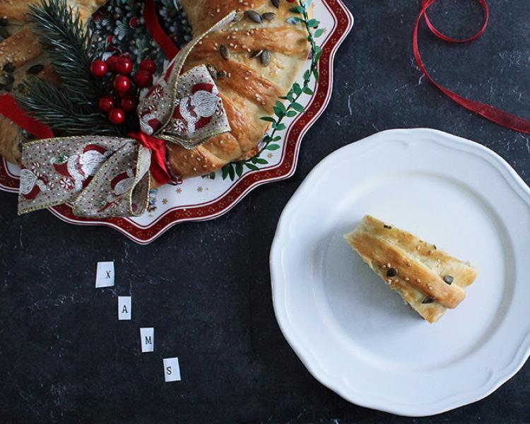 Ghirlanda di pane ripiena: il centro tavola di Natale!